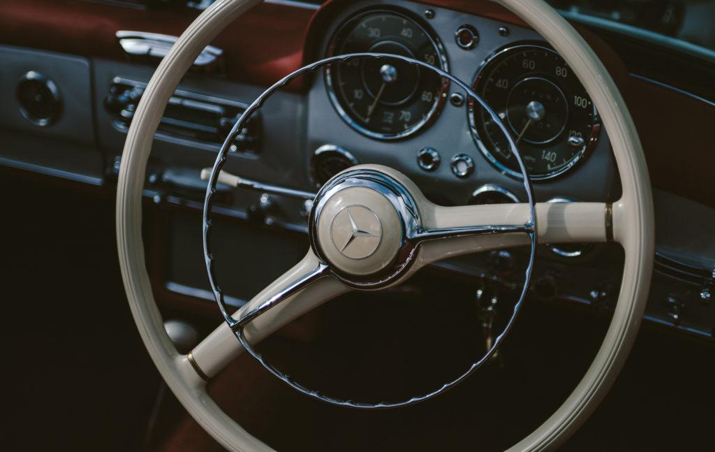 ハイエースを中古車で購入する際の注意すべき点とは?