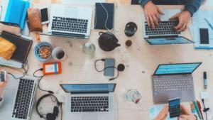 ハイエースガソリン車の燃費は?カタログ値と実燃費を比較【ハイエース200系5型】